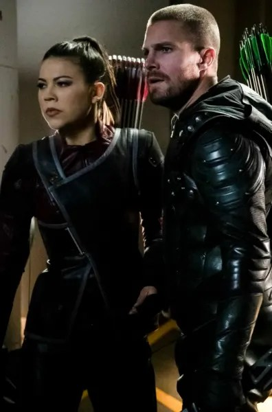 Who Is My Sister? (Tall) - Arrow Season 7 Episode 17