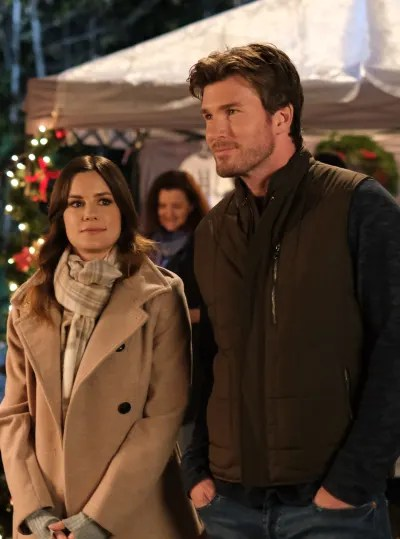 Chelsea Hobbs and Christopher Russell on Forever Christmas