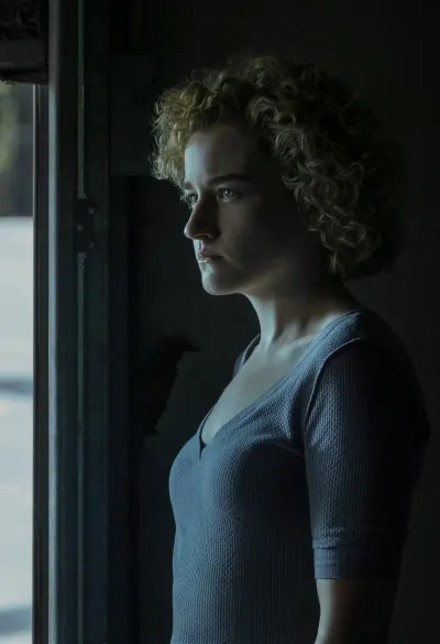 Julia Garner Ozark Season 3