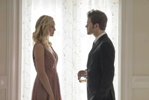 A Stolen Moment - The Vampire Diaries Season 8 Episode 9