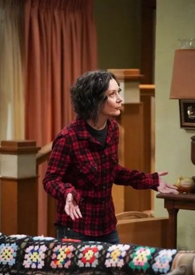 Darlene is Desperate - The Conners Season 2 Episode 20