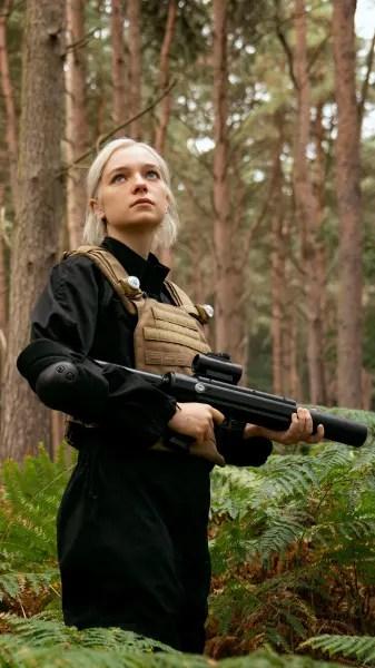 Armed and Dangerous - Hanna Season 2 Episode 5