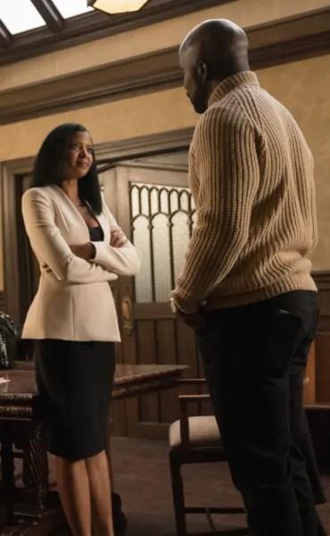 Renee and Acosta - EVIL Season 1 Episode 9