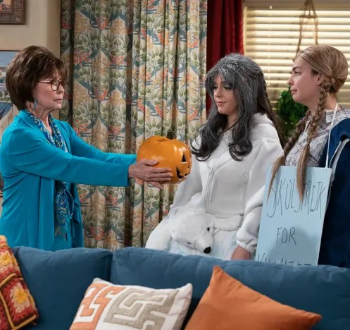 The Pumpkin Joke - One Day At A Time Season 4 Episode 4