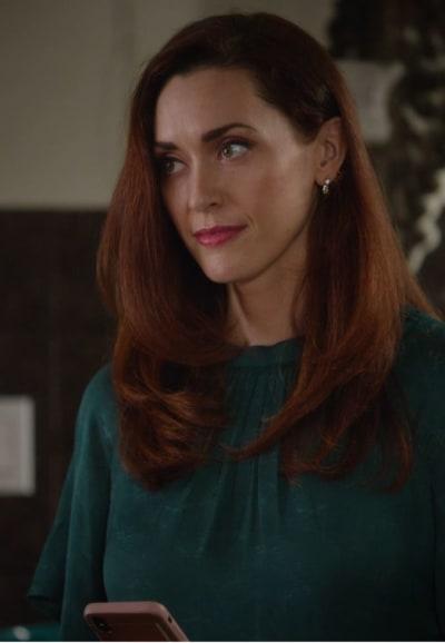 Abigail Gets a Shock - Good Witch Season 7 Episode 3