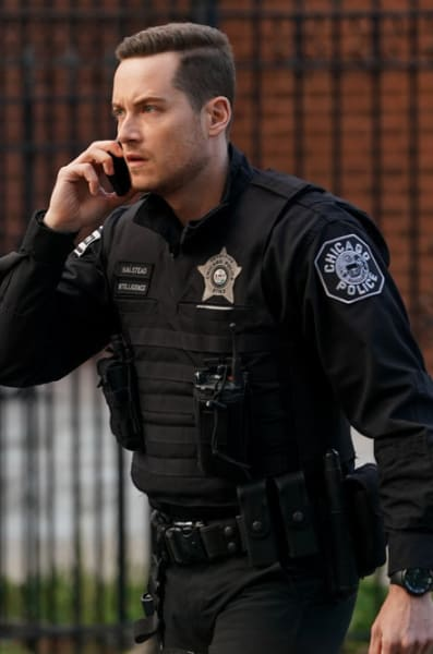 Searching for Burgess - Chicago PD Season 8 Episode 16