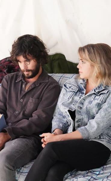 Roommates Talking - Good Girls Season 4 Episode 16