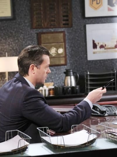 EJ's Surprising Offer / Tall - Days of Our LIves