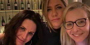 jennifer-aniston-reunion