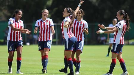 fotos de Norma Palafox hermosa delantera de Chivas femenil