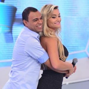 """Denílson e Luciele Di Camargo participam do """"Tudo é Possível"""" deste domingo (21)"""