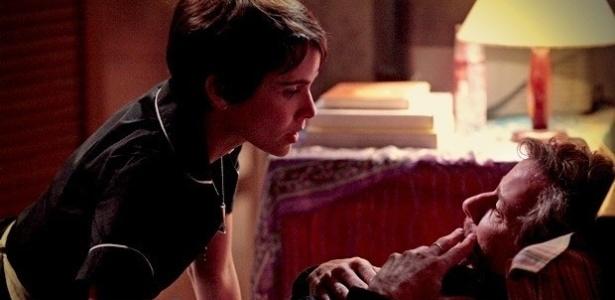 """Em capítulo de """"Avenida Brasil"""" que foi ao ar na última segunda (9), Max desiste de entregar Nina (9/7/12)"""