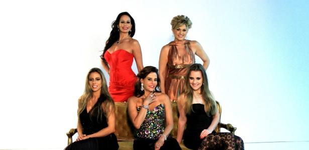 """Cozete Gomes, Andréa Nóbrega, Mariana Mesquita, Narcisa e Aileen Varejão são as integrantes da segunda temporada de """"Mulheres Ricas"""""""