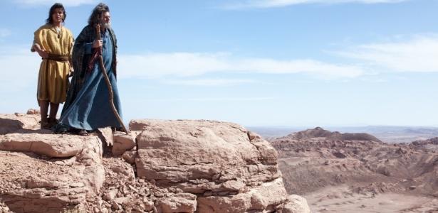 """Dez.2012 - Ricky Tavares e Celso Frateschi em gravação da minissérie """"José do Egito""""  no Salto do Coyote, no Chile."""