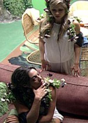 Monique critica Fabiana para Renata (3/3/12)