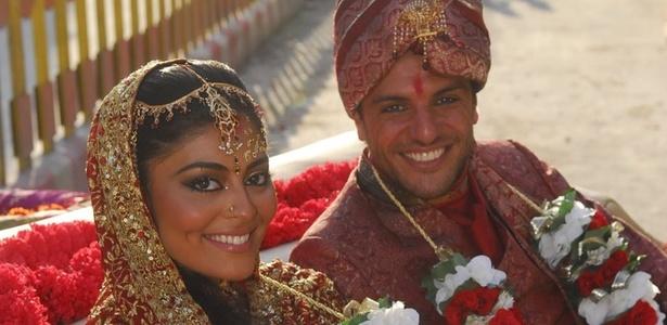 Juliana Paes é Maya e Rodrigo Lombardi é o Raj na novela global Caminho das Índias, de Glória Peres (2009)