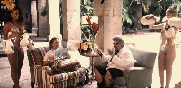 """João Gordo entrevista Claudia Leitte no """"Legendários"""" (25/2/12)"""