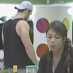 Em silêncio, Maria e Wesley tomam café da manhã (21/2/11)