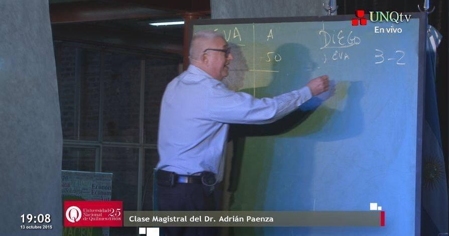 Entrega del Honoris Causa a Adrián Paenza