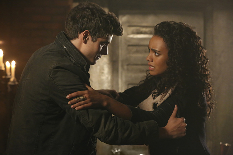 The Originals 2x13-12