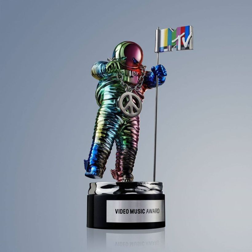 MTV Video Music Awards Moonman 2015-1