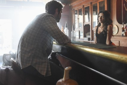 Blood & Oil 1x01 - CHACE CRAWFORD, INDIA DE BEAUFORT