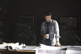 Blood & Oil 1x01 -CHACE CRAWFORD