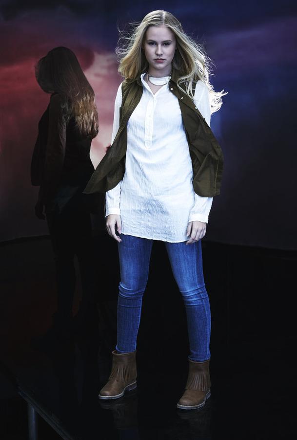 Danika Yarosh as Malina
