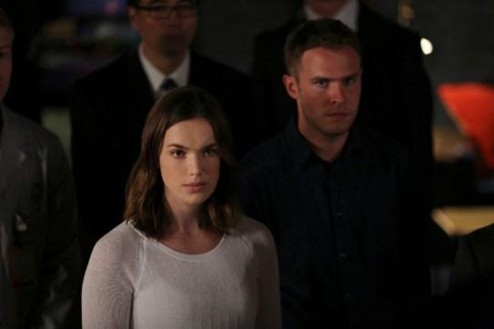 Agents of S.H.I.E.L.D. 3x08 - ELIZABETH HENSTRIDGE, IAIN DE CAESTECKER