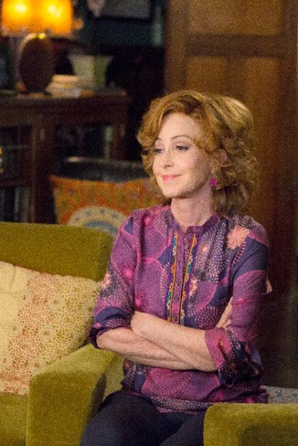 The Fosters 3x14 - ANNIE POTTS