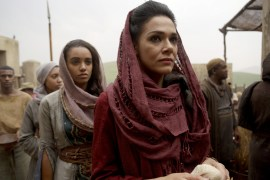 Of Kings and Prophets 1x01 - MAISIE RICHARDSON-SELLERS, SIMONE KESSELL