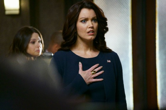 Scandal 5x15 - KATIE LOWES