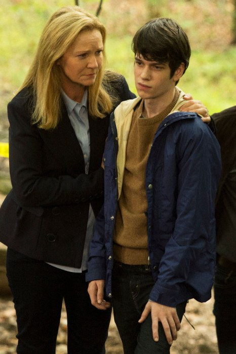 The Family 1x03 - JOAN ALLEN, LIAM JAMES