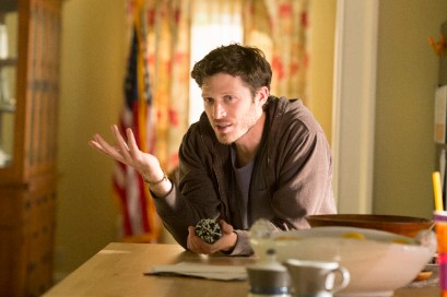 The Family 1x03 - ZACH GILFORD