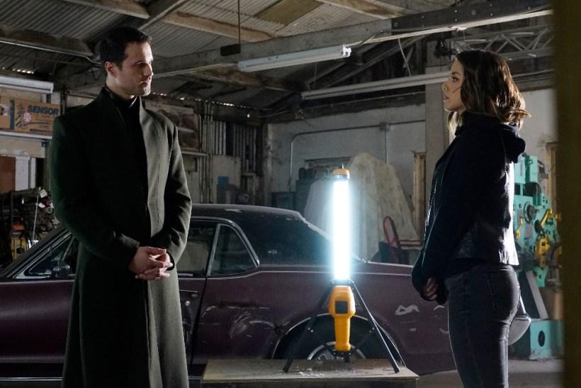 Agents of S.H.I.E.L.D. 3x19 - BRETT DALTON, CHLOE BENNET