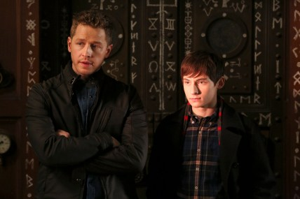 Once Upon A Time 5x20 - JOSH DALLAS, JARED GILMORE