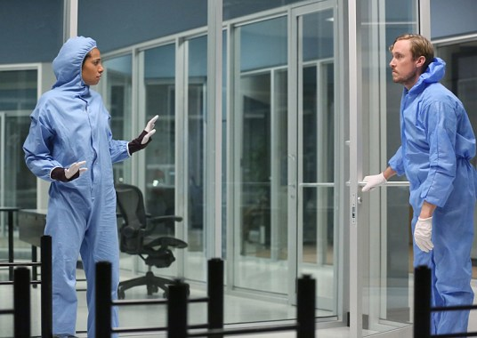 Containment 1x07-1
