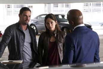 Beauty and the Beast 4x06-6