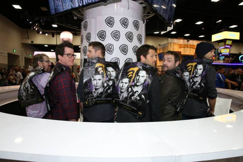 WB Comic Con Signing Booth