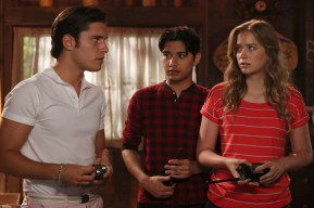 Dead of Summer 1x07 -RONEN RUBINSTEIN, MARK INDELICATO, ELIZABETH LAIL