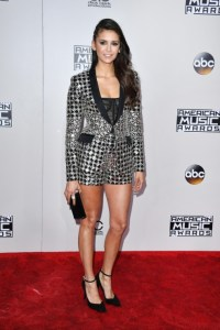 nina-dobrev-american-music-awards-10
