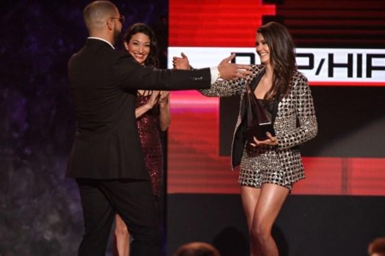 nina-dobrev-american-music-awards-17