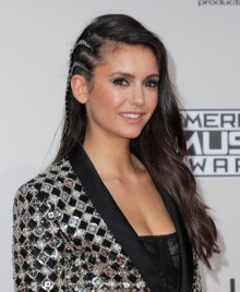 nina-dobrev-american-music-awards-4