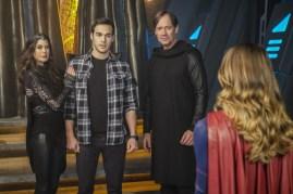 Supergirl 2x16-16