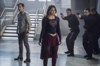 Supergirl 2x16-25