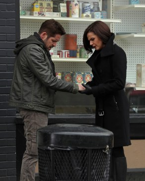 Once Upon A Time 6x12 - SEAN MAGUIRE, LANA PARRILLA