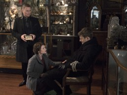 Once Upon A Time 6x19 - ROBERT CARLYLE, GILES MATTHEY