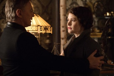 Once Upon A Time 6x19 - ROBERT CARLYLE, EMILIE DE RAVIN