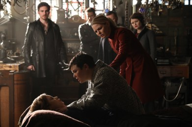 Once Upon A Time 6x19 - COLIN O'DONOGHUE, KEEGAN CONNOR TRACY, JOSH DALLAS, GINNIFER GOODWIN, JENNIFER MORRISON, ROBERT CARLYLE, EMILIE DE RAVIN