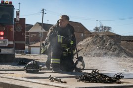 Chicago Fire 5x19 - 16